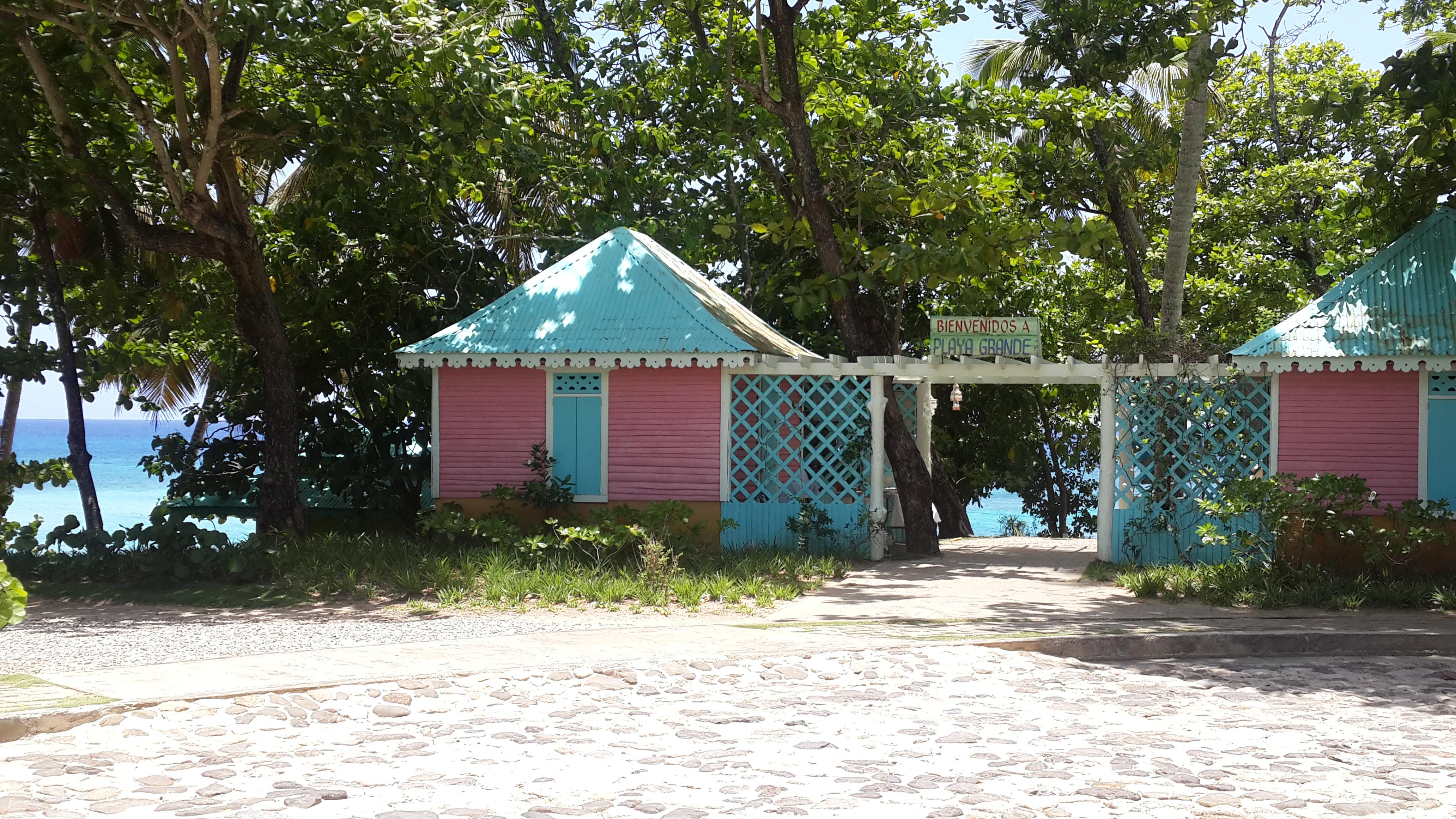 Entrada a Playa Grande
