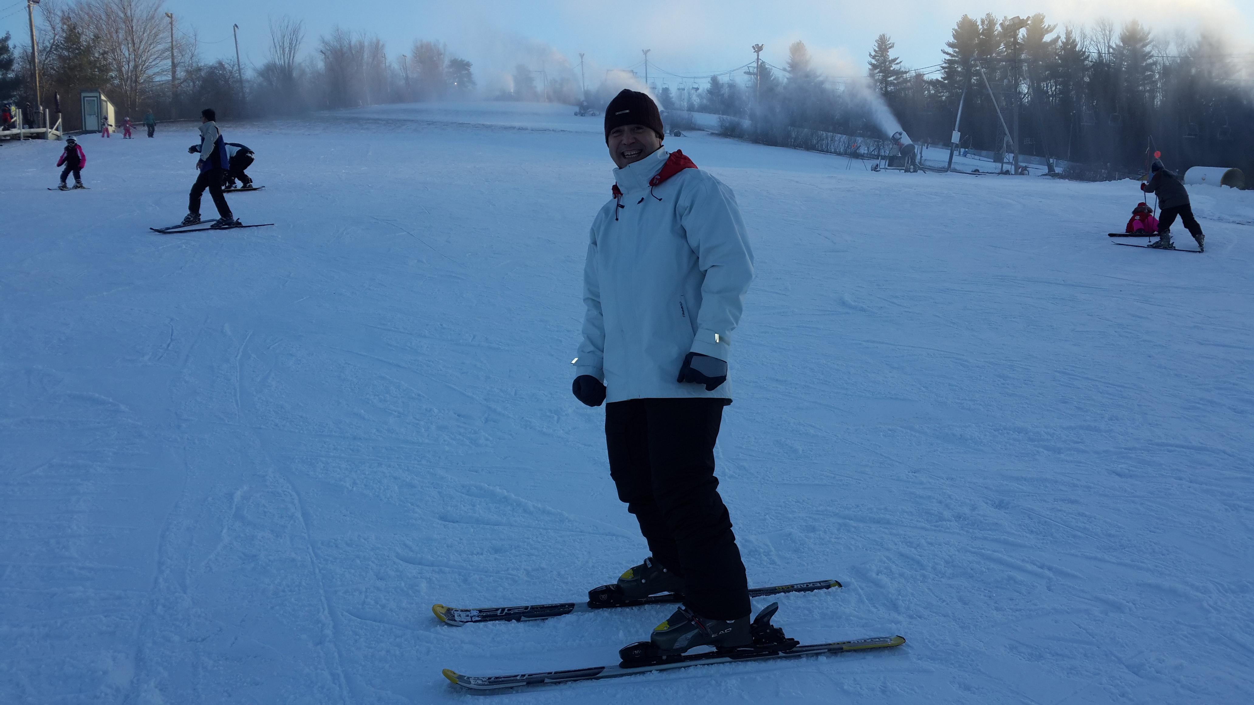 Iban. Listo para su primera clase de Ski.