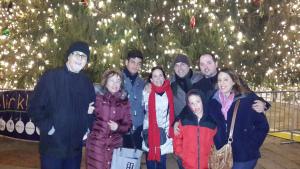 Con mi familia en las pasadas navidades. En el árbol del Market de Boston