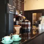Un acogedor espacio para disfrutar del más rico café al estilo europeo.