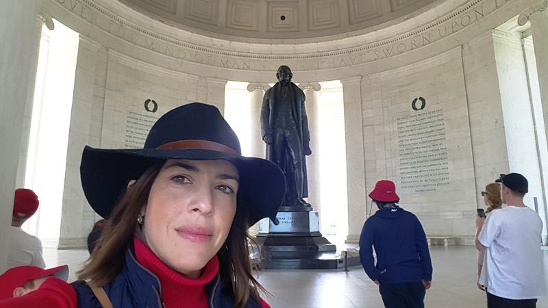 Interior Thomas J Memorial