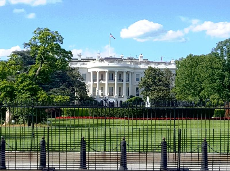 Vista Frontal Casa Blanca
